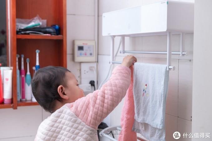 回南天晾不干的毛巾有多脏?硬核实验告诉你:电热毛巾架太香了