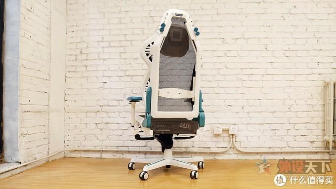 车顶太滑,不如找把好椅子坐着维权