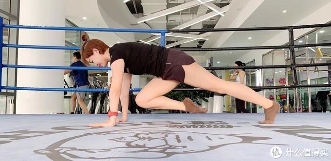 10个腹肌训练动作,4周练出迷人马甲线