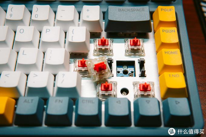 集颜值/三模/RGB/热拔插/双平台于一体,IQUNIX A80探索机使用分享