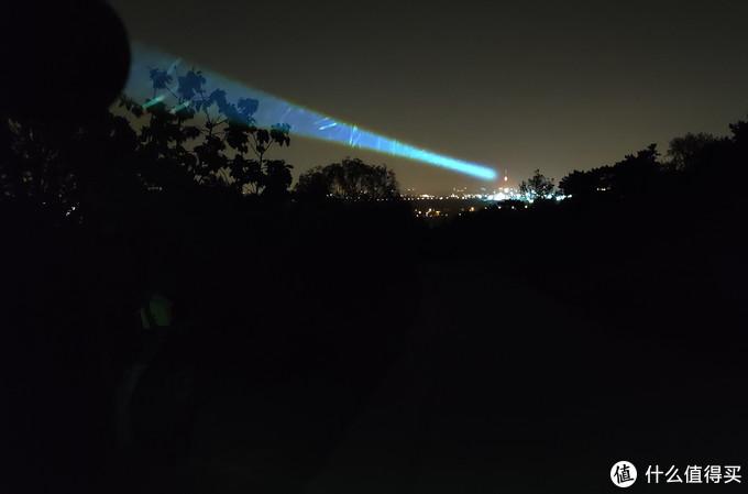 无尽的夜空、笔直的光:JETBeam激光手电M1X