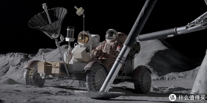 《为全人类》剧情发展的同时还介绍了很多太空科学知识