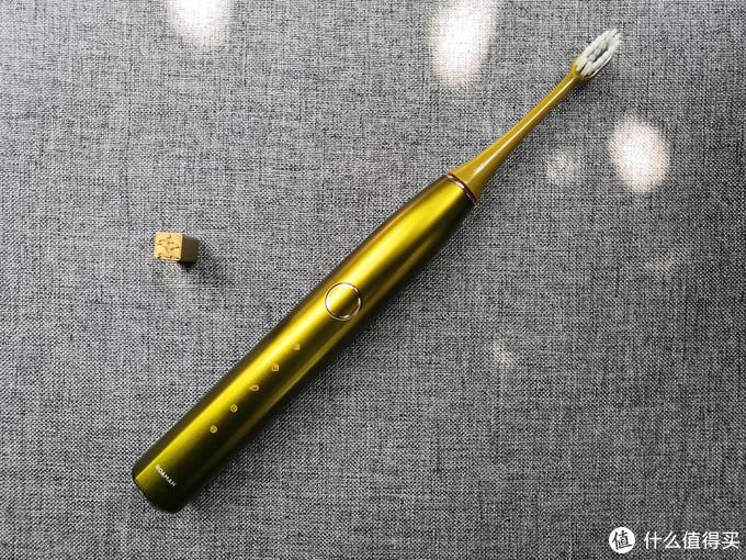 电动牙刷艺术家,罗曼T10S小果刷体验,有颜值有实力!
