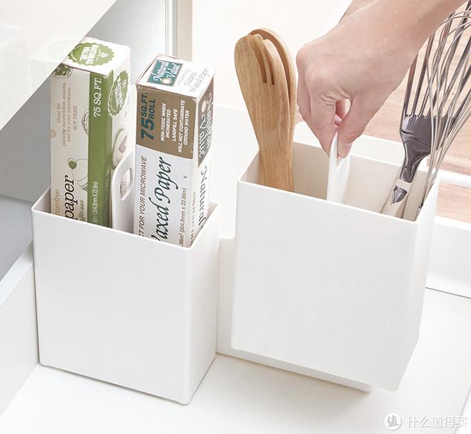 可将此收纳盒贴附在橱柜抽屉门板里侧-完成口袋设计