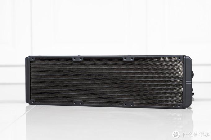 R9 5950X的屠龙神器——超频3巨浪360水冷开箱