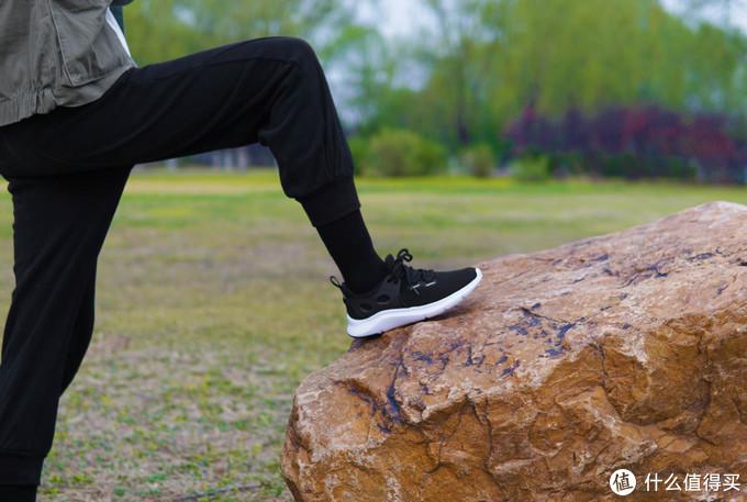 放弃国外品牌!国产跑鞋怎么选?咕咚百元级产品惊喜十足