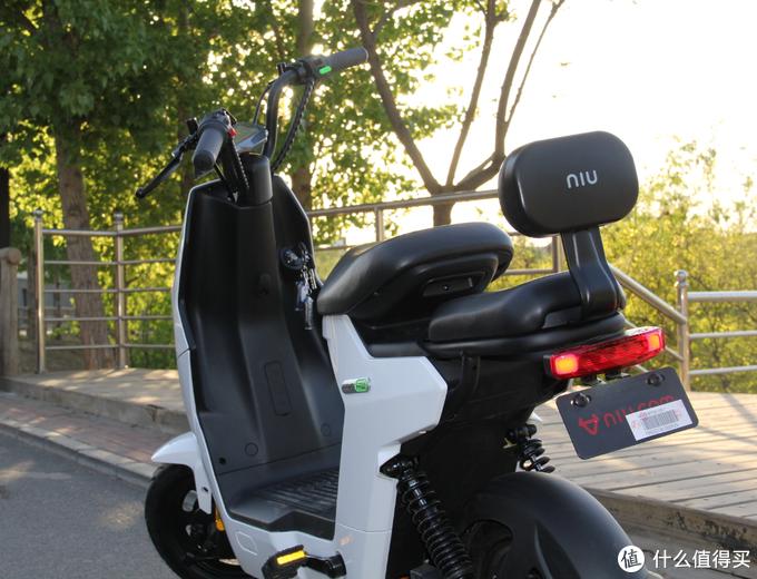 """2000元的电动车也有""""高级感"""" 小牛电动GOVA F0全面评测"""