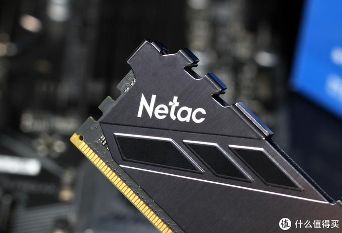 朗科越影DDR4-3200内存评测:原厂颗粒,很能超频