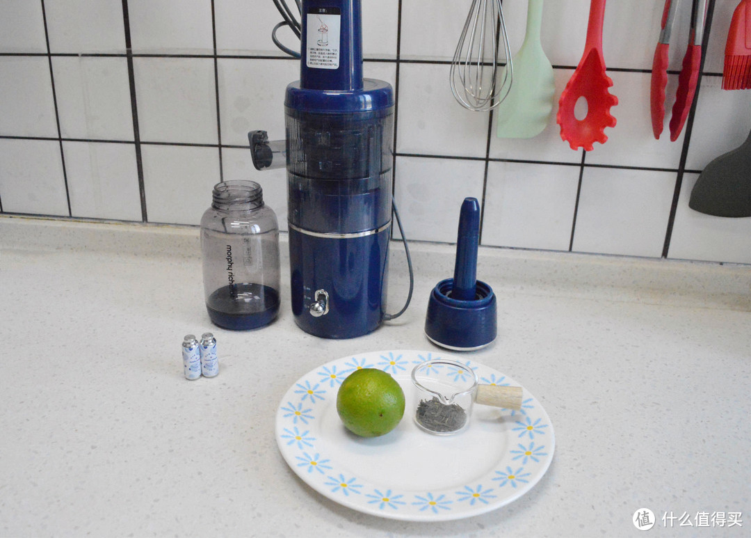 当果汁遇到气泡:10款自制夏日低卡气泡水,好喝不长胖!