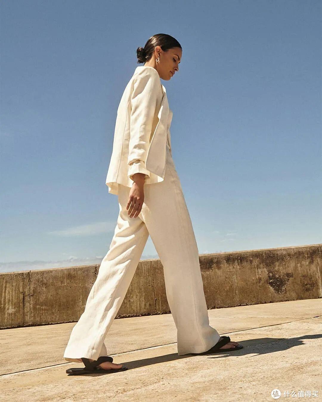 一件白色西装的无数种可能