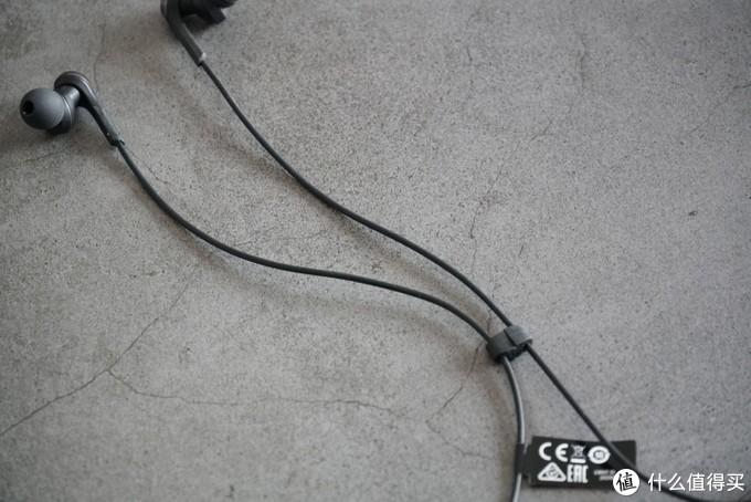 日系颈挂的权力交接:铁三角CKS330XBT对比索尼WI-XB400