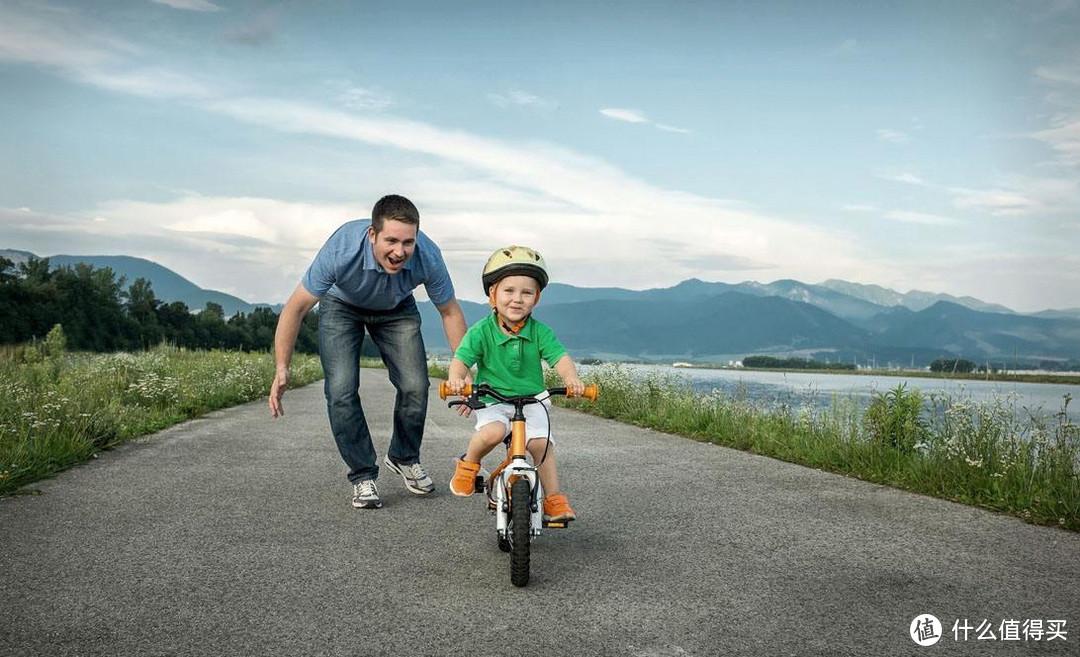 来场亲子骑行:教会孩子骑自行车 五一带娃攻略已安排,抽空陪陪孩子吧!