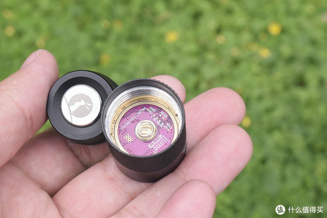 自带氛围灯,玩法多样的EDC小筒!雷明兔FW3X手电赏玩