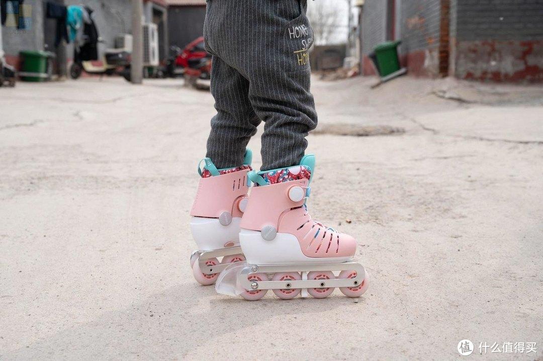 好看更好玩的轮滑鞋,小朋友更喜欢,酷骑轮滑鞋体验