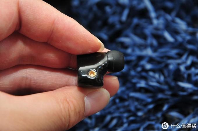 年轻人的第一款圈铁无线蓝牙耳机:BGVP Q2S入手体验