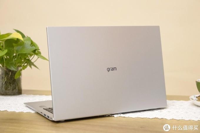 材质更坚固,性能更强大,LG gram 2021全系列亮相