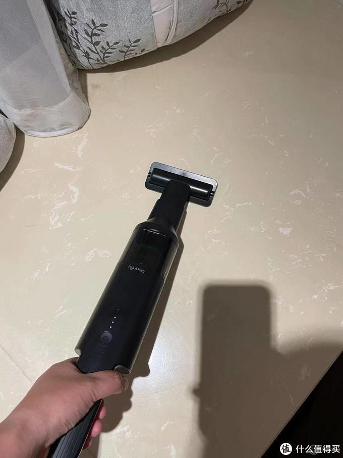 解决灰尘的好帮手—清蜓便携随手吸尘器