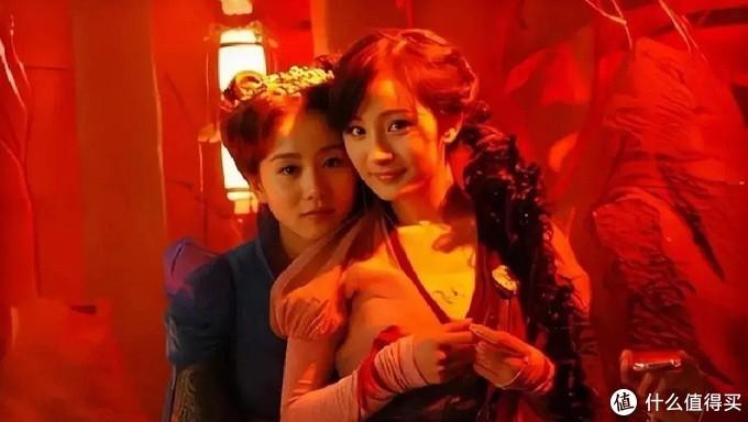 刘诗诗探班杨幂,曾因游戏代言疏远,是塑料姐妹还是活久见?