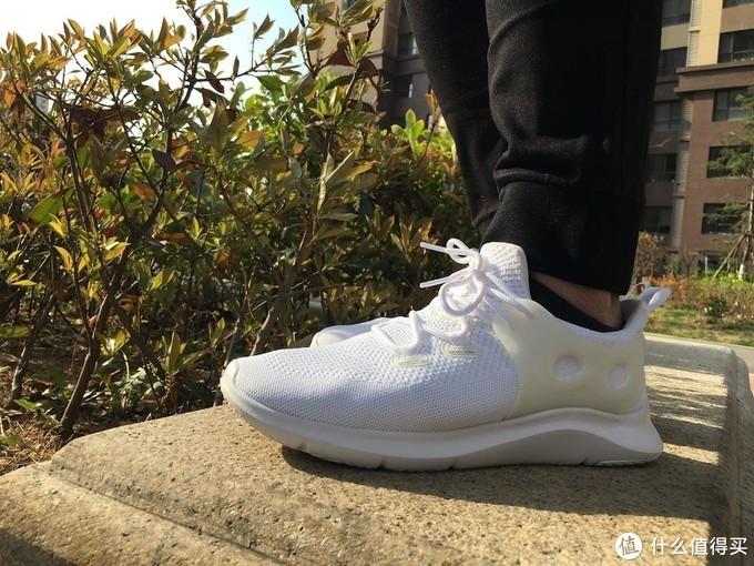 缺一双舒适好鞋?咕咚智能跑鞋5K,同时满足短距慢跑、通勤穿搭