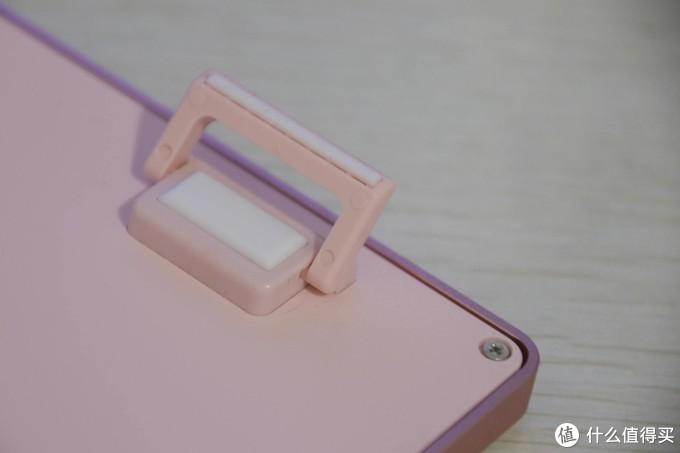 粉粉嫩嫩,一看就不是正经键盘,为何却能攻陷少女心