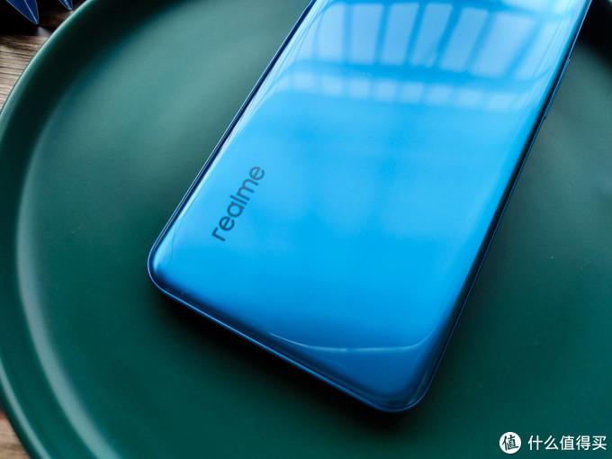5G+FHD+高刷 真千元5G手机 realme Q3i 一周体验