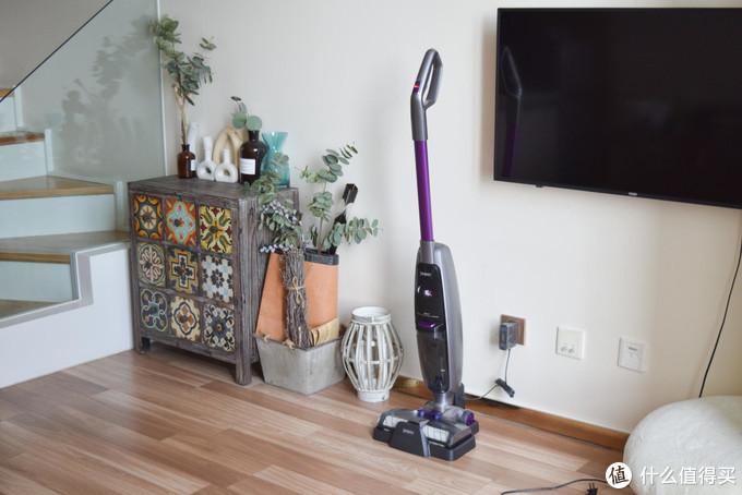你还在纠结于选择吸尘器还是扫地机器人?聪明人都开始用洗地机了