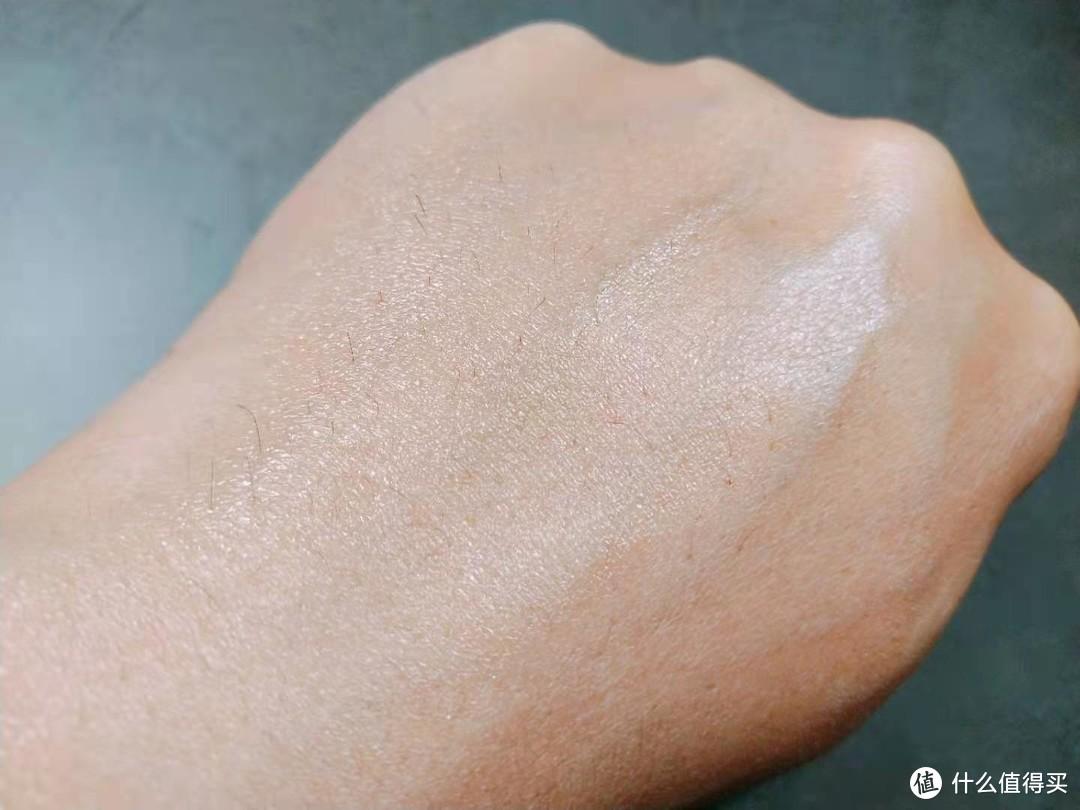 果然水润光滑,润肤好吸收