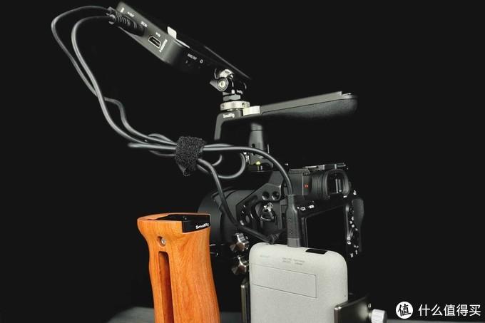 给爱机穿上帅气骨外格装甲,斯莫格相机兔笼体验