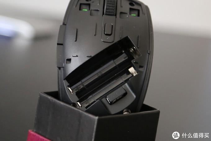 【全网首发】雷蛇轻量化真香小钢炮:八岐大蛇 v2游戏鼠标 开箱 orochi v2