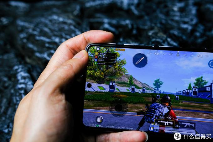 《使命召唤》官方指定用机:游戏手机进入2000元档!Redmi再次扮演价格屠夫