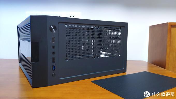 治愈系电脑机箱,自带RGB灯效属性,要的就是这种颜值