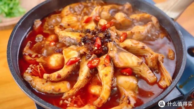 鲜辣啤酒鱼,随便剁一剁,就能炖一锅,鱼肉特鲜嫩