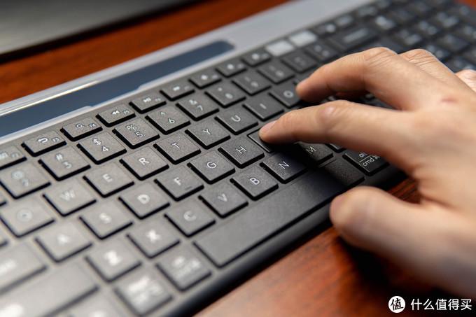 桌面办公无线化,我为何选择了罗技K580蓝牙键盘