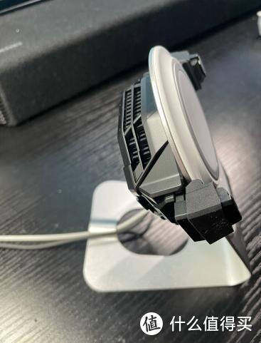 夏季来临 来给手机做个降温大保健 —— 黑鲨冰封散热背夹2Pro