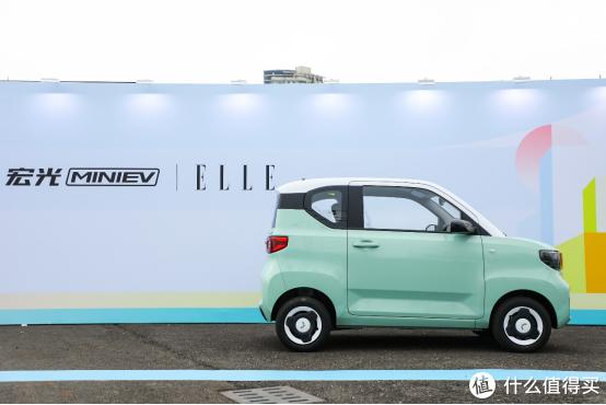 微型电动车怎么选?方便、经济、时尚,五菱这款新车都能给