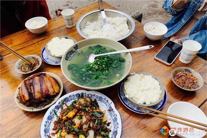 重庆木洞镇:豆花都是水上漂,每天营业8个小时,食客络绎不绝