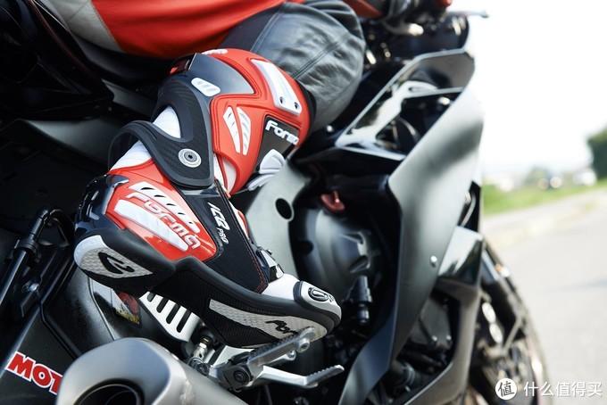 进入MotoGp的品牌装备