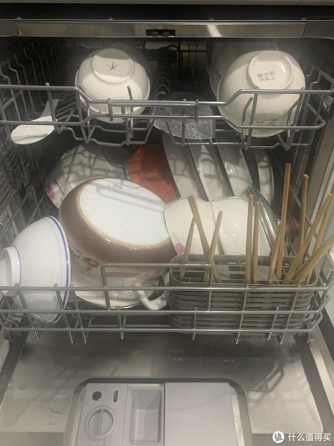 如何选购高性价比家电&家具,一篇看尽~1.5万元包含燃气灶、洗衣机、洗碗机、电视机还有1.8米床