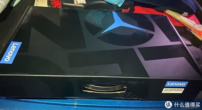 R9000p的外包装,三叉标像不像奔驰联名款?