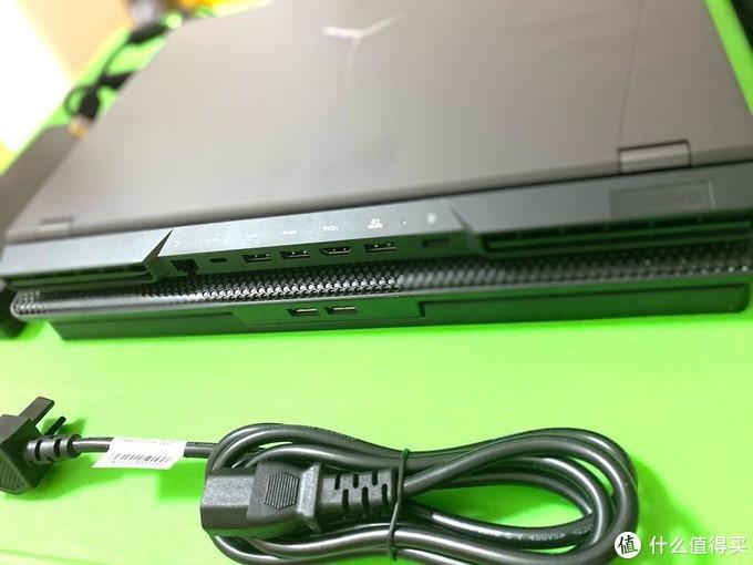 机身后侧3个USB3.0,1个支持100W的pd充电type-c口,1个HDMI2.1接口,1个千兆RJ45网口