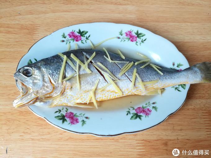 大厨:蒸鱼时,豉油不要直接淋,多做2步,鱼肉好吃无腥味