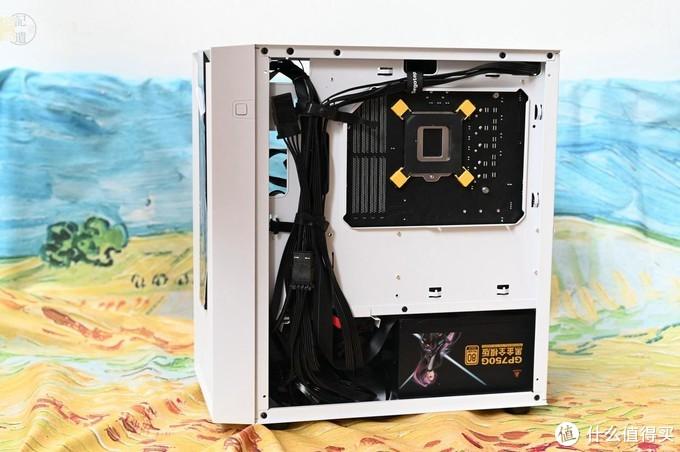 入门级的治愈系机箱,兼容性强安装简单,超频三光愈体验