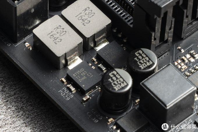 用一张顶级 X370 主板带一颗 5950X 是个怎么样的体验?