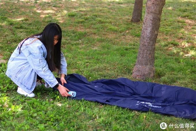 反射镜面自动充气床!网友:移动的床还是移动的家?