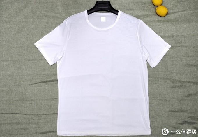 天热去户外,就穿一件排汗凉感T恤吧