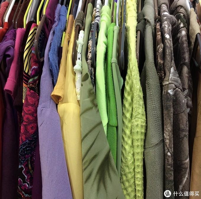 整理家务多余的旧衣服该如何处理?