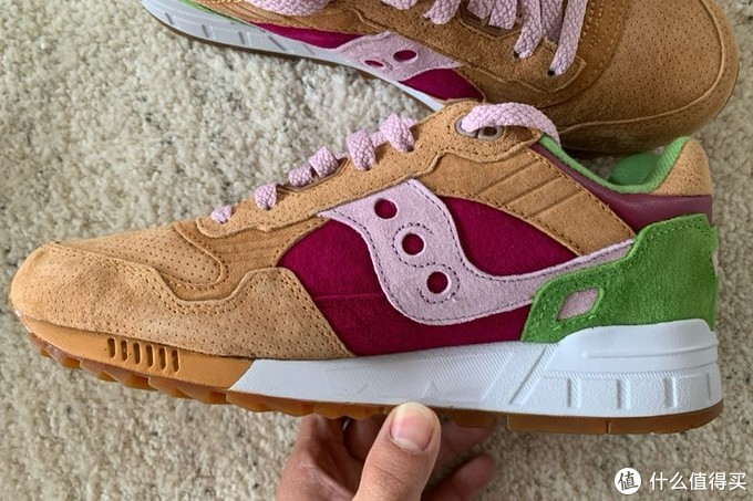 老鞋新买3:End X Saucony Shadow 5000汉堡