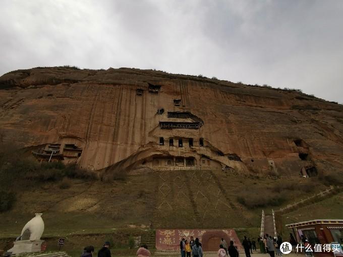 三十三天石窟 最顶上的那间通过内部石梯上去