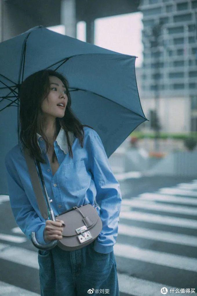 刘雯的私服穿搭太好看了,春末夏初一键复制!