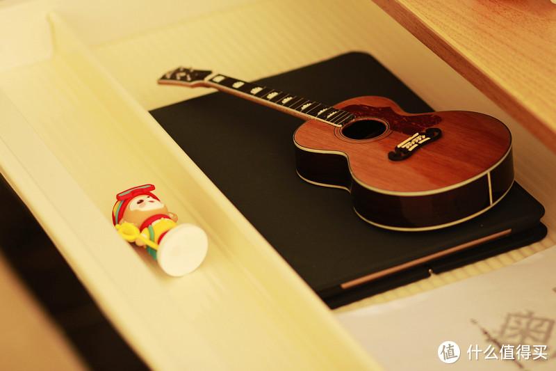 适合孩子更适合家人、一桌解决三难的乐歌ET6升降桌使用有感